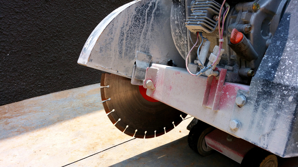 Cut Straight Using Circular Saw